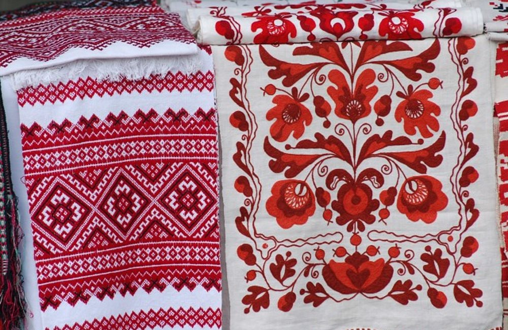 Полесская вышивка: особенности орнамента и техники вышивки