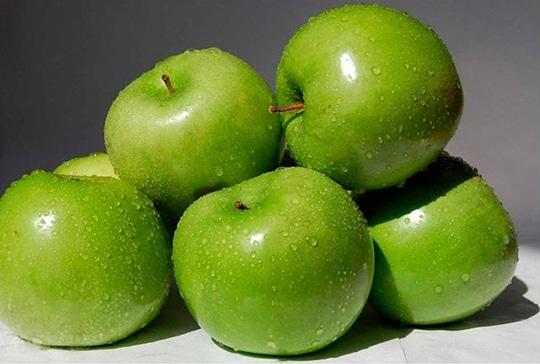 Алея яблонь